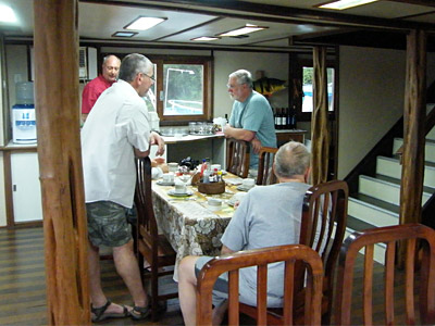 Fish stories around the Otter dinner table 400x300pp